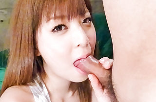 Lollipop lusty Marim Omi gives a blowie passionately